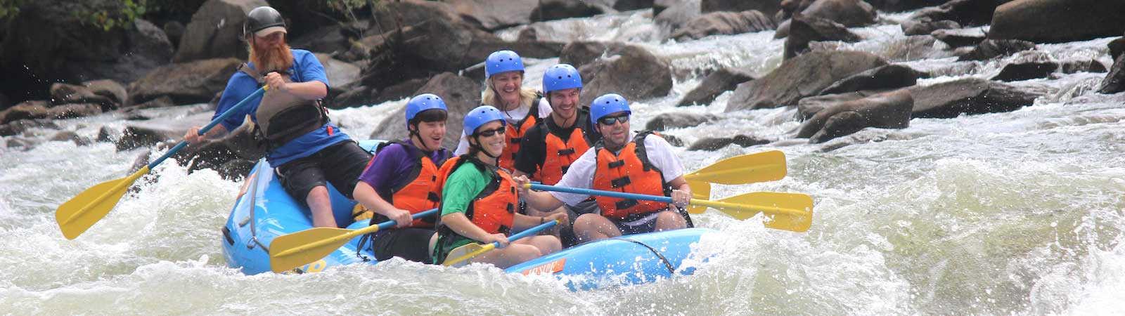 ocoee river rafting through grumpy rapid